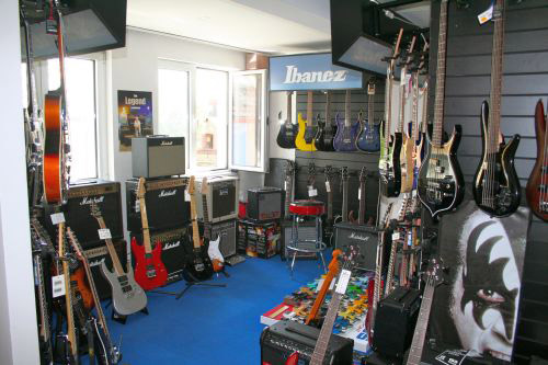 get the sound musikhaus lichtenberg e k in berlin. Black Bedroom Furniture Sets. Home Design Ideas